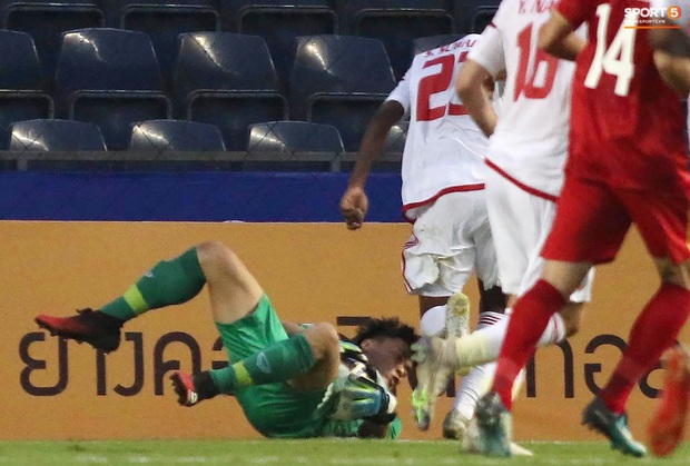 Dân mạng Việt Nam khen tới tấp Bùi Tiến Dũng sau trận đấu U23 Việt Nam hòa 0-0 U23 UAE: Best lật mặt là đây - Ảnh 1.