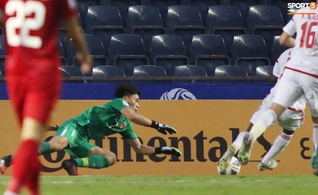 Báo UAE tiếc hùi hụi, ngầm tố VAR đã giúp U23 Việt Nam thoát thua - Ảnh 1.