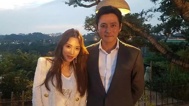 Giữa tin tức chấn động, hội bạn toàn tài tử hạng A của Jang Dong Gun, Joo Jin Mo và Hyun Bin bỗng bị réo gọi - Ảnh 4.
