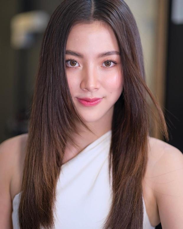 3 mỹ nhân 9X siêu hot đủ sức kế thừa danh xưng chị đại showbiz Thái: Yaya, Baifern hay nàng thơ của Sơn Tùng? - Ảnh 30.