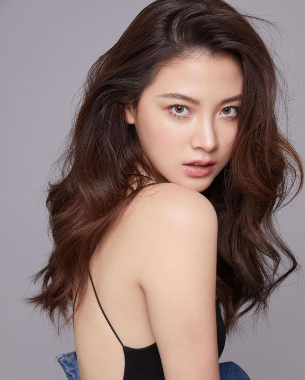 3 mỹ nhân 9X siêu hot đủ sức kế thừa danh xưng chị đại showbiz Thái: Yaya, Baifern hay nàng thơ của Sơn Tùng? - Ảnh 16.