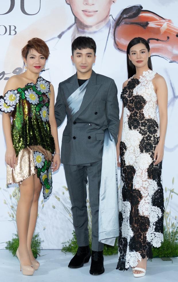 Phillip Nguyễn tình tứ bên bạn gái Linh Rin, cùng Phạm Quỳnh Anh, Erik và dàn sao Vbiz tề tựu trong sự kiện - Ảnh 1.