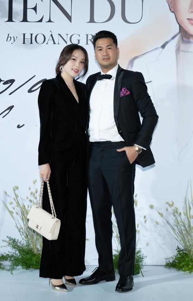Phillip Nguyễn tình tứ bên bạn gái Linh Rin, cùng Phạm Quỳnh Anh, Erik và dàn sao Vbiz tề tựu trong sự kiện - Ảnh 5.