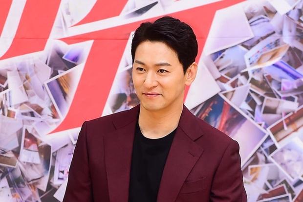 Sốc với cáo buộc Jang Dong Gun nhờ bạn thân tìm mối ngon: Hình tượng Phẩm Chất Quý Ông nay đã thành sự thật? - Ảnh 9.