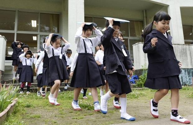 """8 môn học siêu kỳ quặc ở các trường trên thế giới, Nhật Bản có môn """"Ngưỡng mộ thiên nhiên"""", nghe thì lạ nhưng học thích mê - Ảnh 5."""