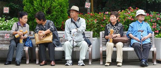 Khủng hoảng cô đơn ở tuổi xế chiều khiến người già Trung Quốc phải tìm bạn tình ở công viên, cuối cùng đối mặt với nguy cơ nhiễm HIV - Ảnh 5.