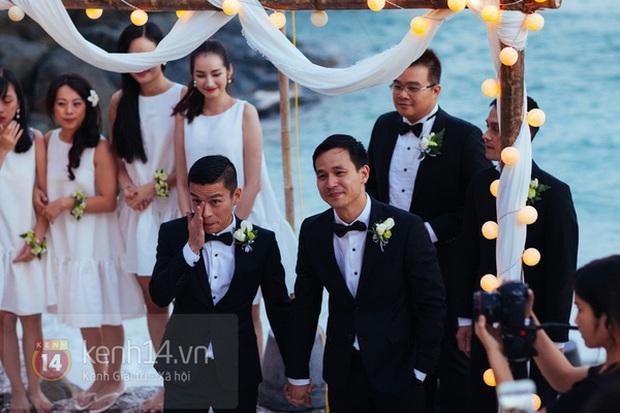 Mai Phương Thúy, Hương Giang cùng đọ vòng một khủng trong tiệc kỷ niệm 5 năm đám cưới của NTK Adrian Anh Tuấn - Ảnh 2.