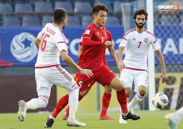 Tuyển thủ U23 Việt Nam hành động thiếu kiềm chế với trọng tài chính ở VCK U23 châu Á 2020 - Ảnh 4.