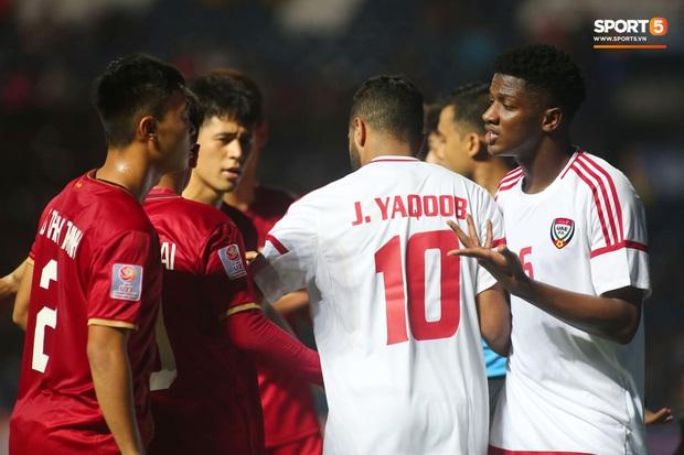 Tuyển thủ U23 Việt Nam hành động thiếu kiềm chế với trọng tài chính ở VCK U23 châu Á 2020 - Ảnh 7.
