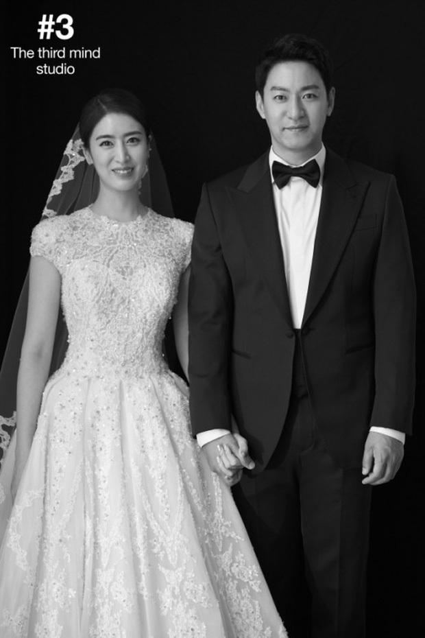 Động thái cực căng của vợ học vấn khủng sau khi tài tử Hoàng hậu Ki lộ loạt tin nhắn môi giới gái cho Jang Dong Gun - Ảnh 4.