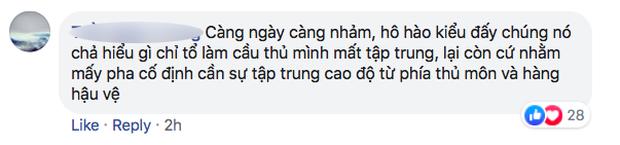 Fan Việt bức xúc với câu hát Bay lên trời là em bay ra ngoài: Phản cảm, nhức đầu, đối thủ chẳng hiểu gì mà lại khiến đội nhà mất tập trung - Ảnh 8.