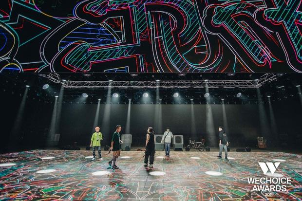 Hé lộ các màn trình diễn tại WeChoice trước giờ G: Diễn viên múa bật khóc nức nở, dàn rapper cực sung với sân khấu visual căng đét - Ảnh 10.