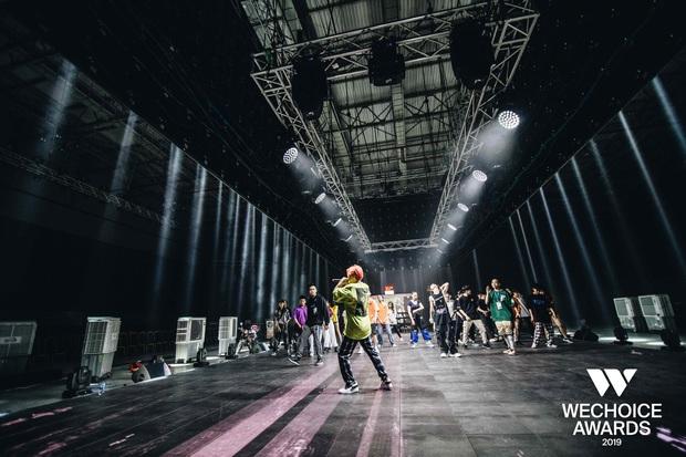 Hé lộ các màn trình diễn tại WeChoice trước giờ G: Diễn viên múa bật khóc nức nở, dàn rapper cực sung với sân khấu visual căng đét - Ảnh 11.