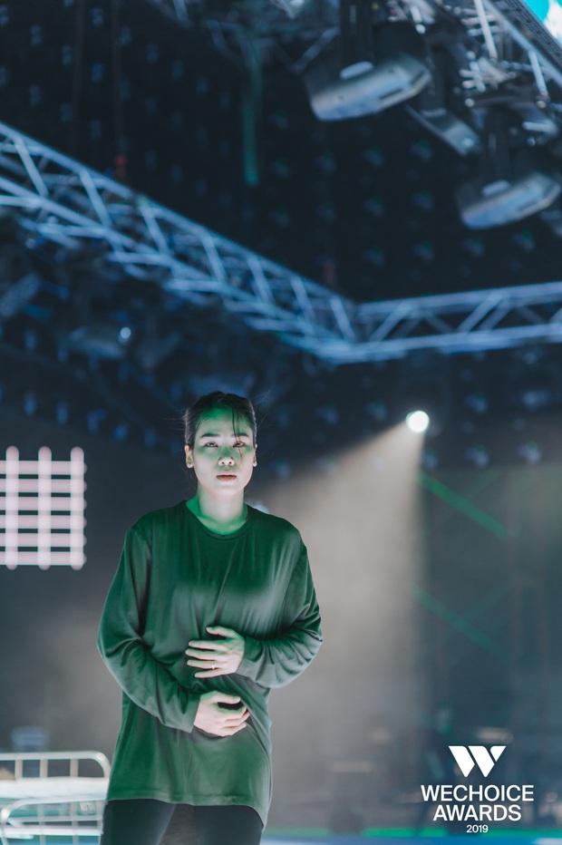 Hé lộ các màn trình diễn tại WeChoice trước giờ G: Diễn viên múa bật khóc nức nở, dàn rapper cực sung với sân khấu visual căng đét - Ảnh 8.
