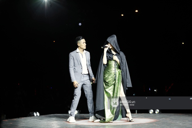 Đêm nhạc khủng Year End Party Hàn-Việt: Hyuna - Monsta X sexy bùng nổ, K-ICM và cặp Canh Ba gây sốt với sân khấu quá đỉnh - Ảnh 19.