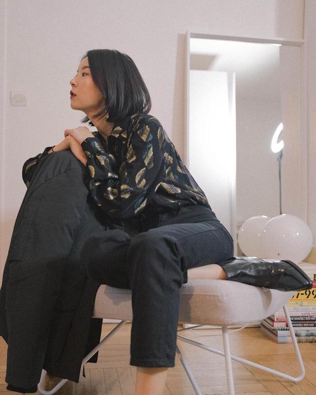 4 cách diện quần jeans đen giúp bạn không hóa nhạt nhẽo, vô vị khi xúng xính item đơn giản nhất quả đất này - Ảnh 2.