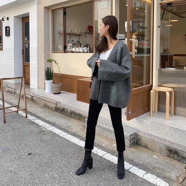 4 cách diện quần jeans đen giúp bạn không hóa nhạt nhẽo, vô vị khi xúng xính item đơn giản nhất quả đất này - Ảnh 6.
