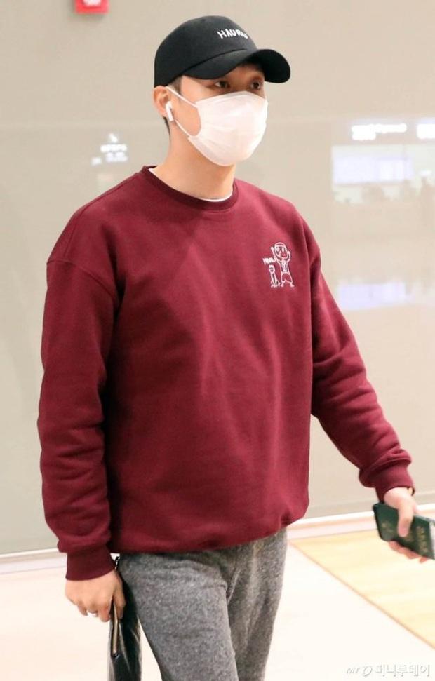 Tranh cãi dàn sao Hàn đổ bộ sân bay sáng nay: NCT 127 sang Việt Nam, Yoochun tù treo vẫn sang Thái dự fanmeeting - Ảnh 7.