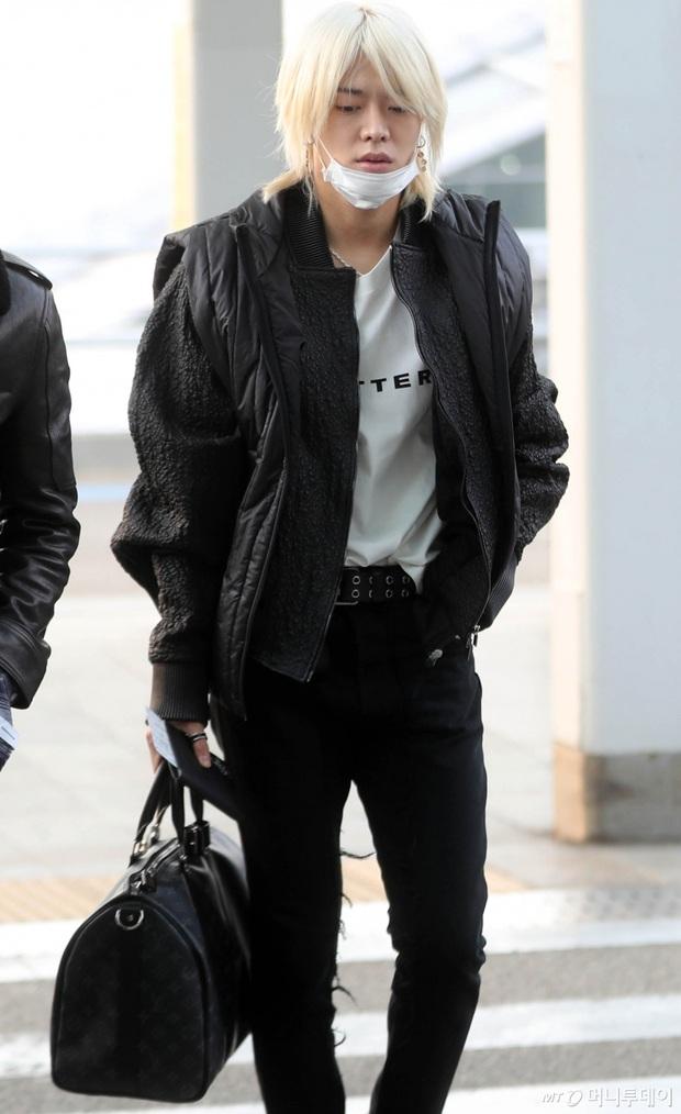 Tranh cãi dàn sao Hàn đổ bộ sân bay sáng nay: NCT 127 sang Việt Nam, Yoochun tù treo vẫn sang Thái dự fanmeeting - Ảnh 3.