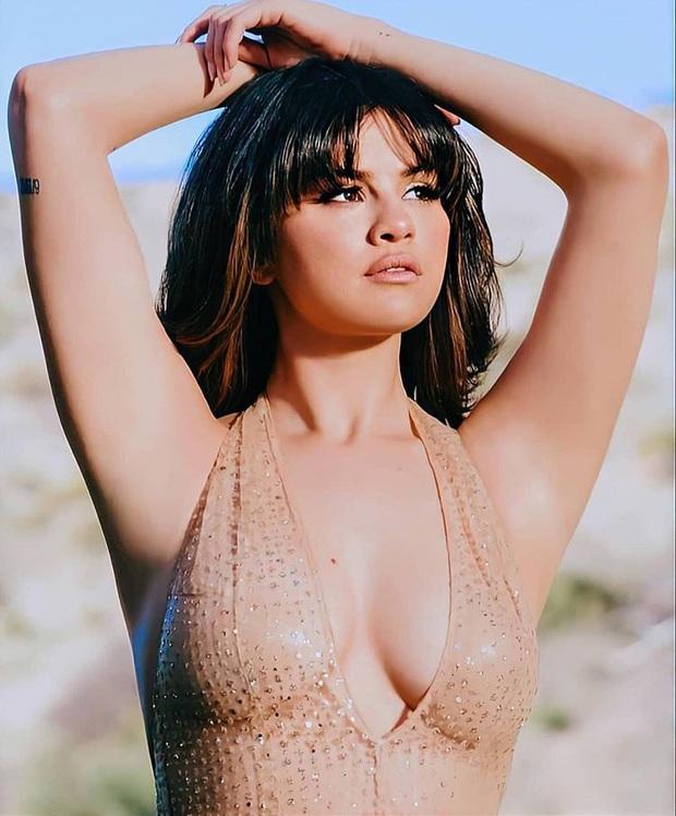 Muốn xịt máu mũi với loạt ảnh hậu trường nóng bỏng mắt của Selena Gomez: 8 triệu like là có lý do của nó! - Ảnh 1.