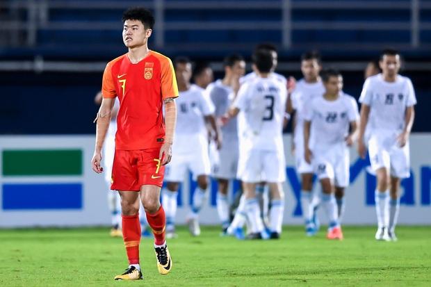 Báo Trung Quốc bình luận gây sốc: U23 Việt Nam cuối cùng đã lộ rõ sự yếu kém và họ sắp phải đối mặt với nỗi đau bị loại sớm - Ảnh 1.