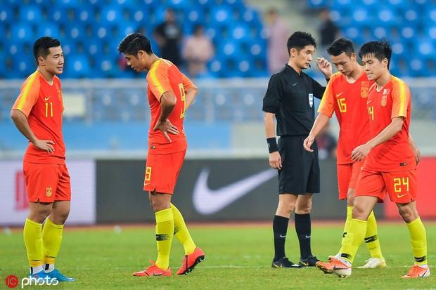 U23 Trung Quốc bị loại bẽ bàng: Vì người Trung Quốc không yêu bóng đá, đương nhiên không thể thưởng thức hương vị ngọt ngào - Ảnh 1.