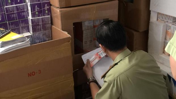 Phát hiện lô hàng thuốc tân dược nghi nhập lậu cực khủng trị giá 3 tỷ đồng ở Sài Gòn - Ảnh 4.