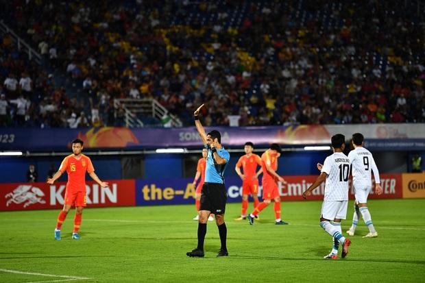 Cú sốc: Trung Quốc, Nhật Bản trở thành 2 đội đầu tiên bị loại ở vòng bảng U23 châu Á 2020 sau những thất bại ê chề - Ảnh 6.