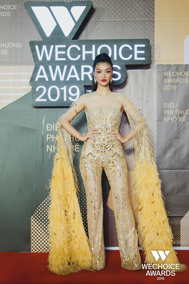 Để ý Top 3 Miss World đồng loạt diện trang phục cực đặc biệt lên thảm đỏ Gala WeChoice 2019: Nhìn quen quen không? - Ảnh 2.