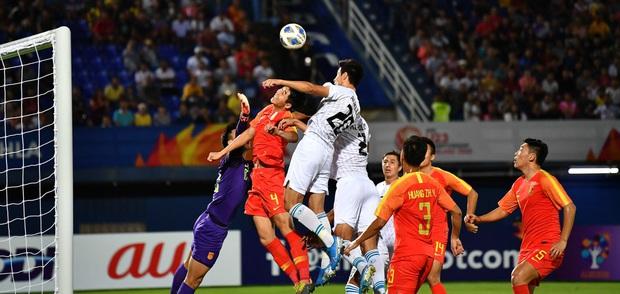 U23 Trung Quốc bị loại bẽ bàng: Vì người Trung Quốc không yêu bóng đá, đương nhiên không thể thưởng thức hương vị ngọt ngào - Ảnh 2.