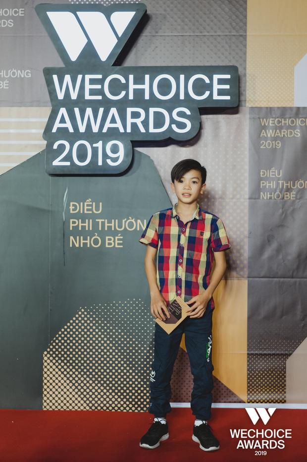 Những nhân vật truyền cảm hứng xuất hiện đầy xúc động cùng người thân tại Gala WeChoice Awards 2019 - Ảnh 8.