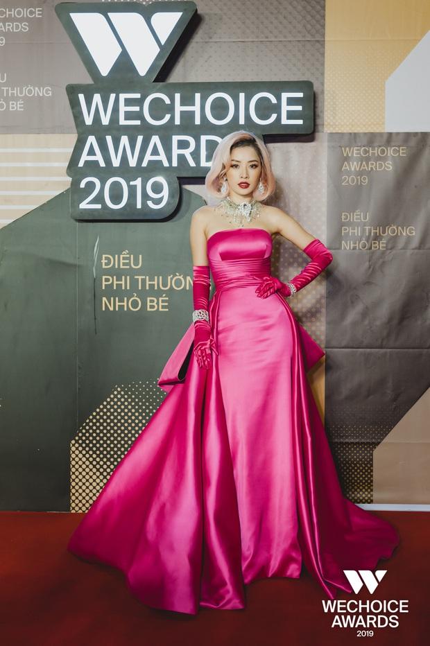 Mỹ nhân chơi lớn nhất WeChoice Awards 2019 gọi tên Chi Pu: Cosplay hẳn huyền thoại Marilyn Monroe, chặt đẹp dàn khách mời - Ảnh 1.