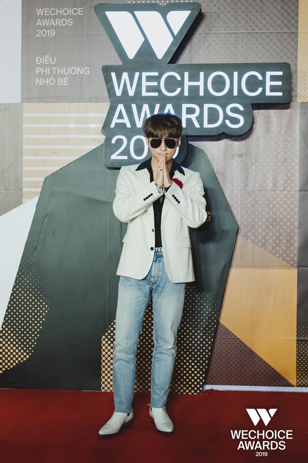 Visual nức nở thảm đỏ WeChoice Awards: Sơn Tùng M-TP chuẩn chủ tịch, đẹp trai và ngầu thế này ai chịu nổi? - Ảnh 6.