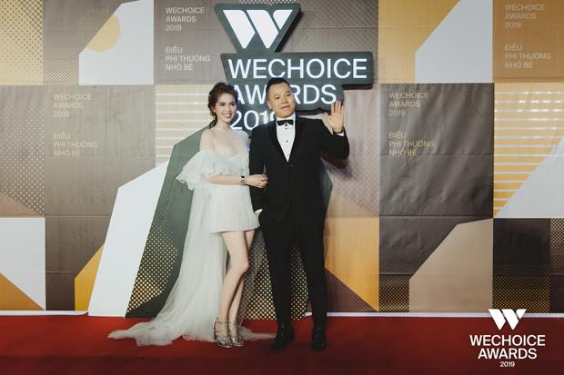 Hài hước nhất thảm đỏ WeChoice Awards 2019: Ngọc Trinh quạu với Vũ Khắc Tiệp vì bị giẫm vào đuôi váy - Ảnh 3.