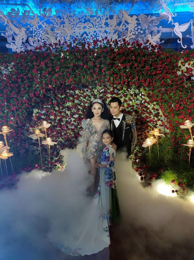 Lâm Khánh Chi ngất xỉu giữa sự kiện đám cưới của 10 cặp đôi LGBT vì kiệt sức - Ảnh 4.