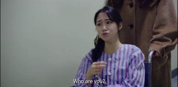 Hết mượn danh BTS trốn tình địch, Son Ye Jin lại rớt liêm sỉ nhận làm fangirl Hyun Bin ở tập 7 Crash Landing On You - Ảnh 2.