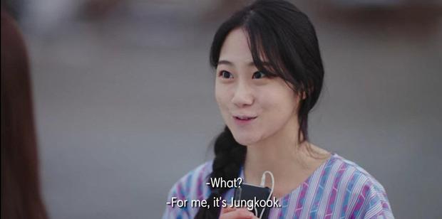 Hết mượn danh BTS trốn tình địch, Son Ye Jin lại rớt liêm sỉ nhận làm fangirl Hyun Bin ở tập 7 Crash Landing On You - Ảnh 7.