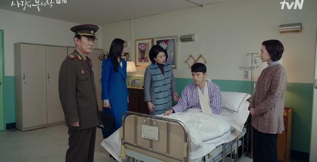 Hết mượn danh BTS trốn tình địch, Son Ye Jin lại rớt liêm sỉ nhận làm fangirl Hyun Bin ở tập 7 Crash Landing On You - Ảnh 14.