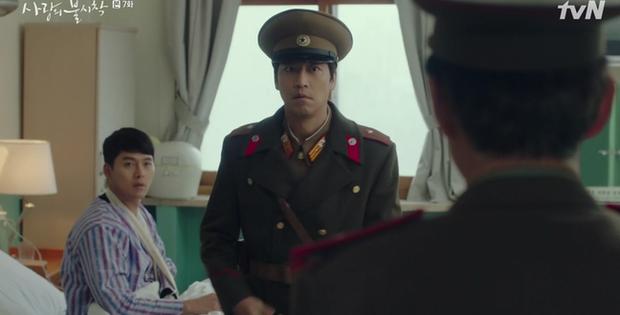 Hết mượn danh BTS trốn tình địch, Son Ye Jin lại rớt liêm sỉ nhận làm fangirl Hyun Bin ở tập 7 Crash Landing On You - Ảnh 13.