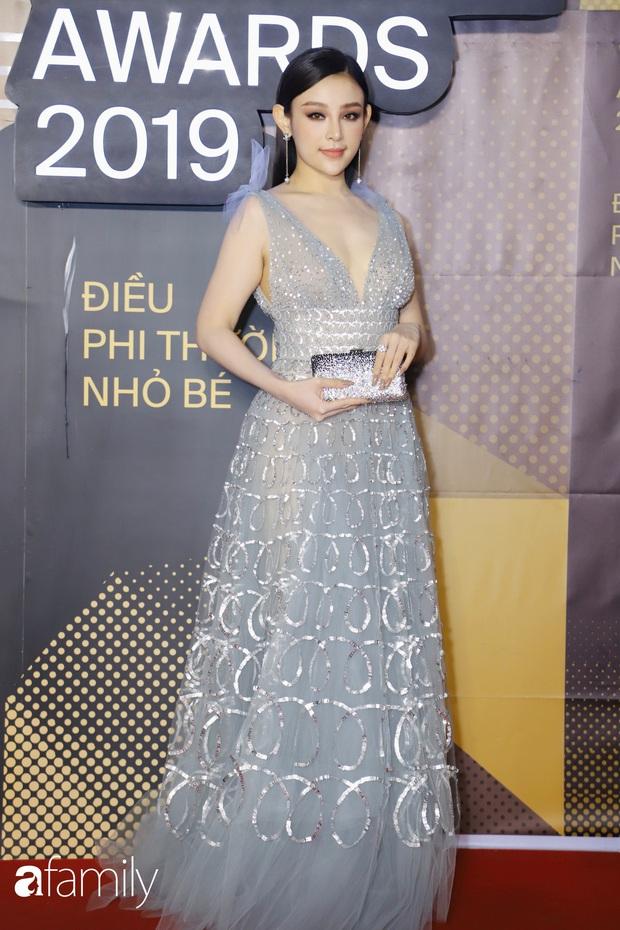 Không hẹn mà gặp, cả dàn Bông hậu đụng độ gam màu xanh hot trend ngay trên thảm đỏ WeChoice Awards 2019 - Ảnh 6.
