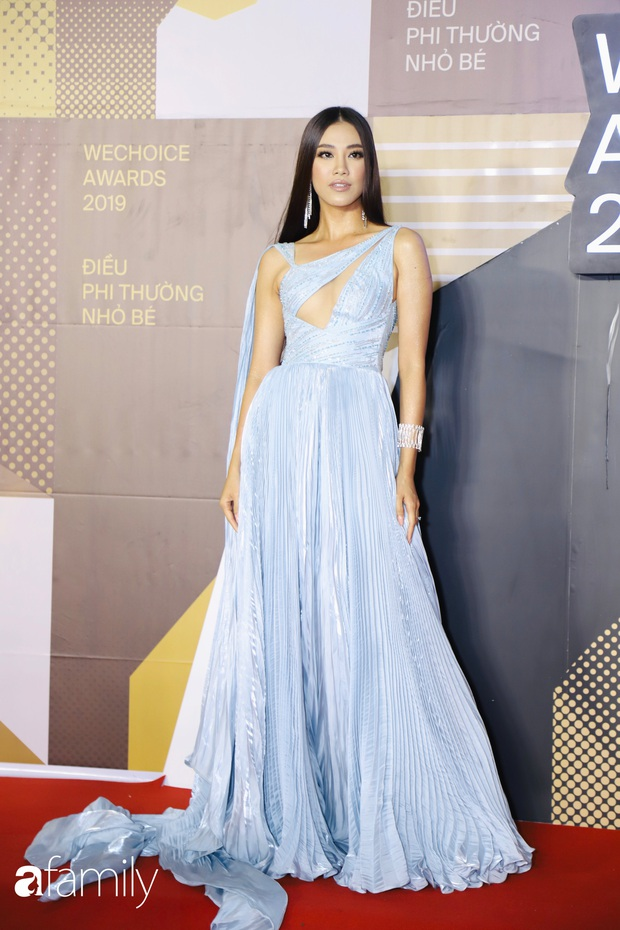 Không hẹn mà gặp, cả dàn Bông hậu đụng độ gam màu xanh hot trend ngay trên thảm đỏ WeChoice Awards 2019 - Ảnh 7.