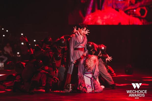 Xem trọn vẹn các màn trình diễn tại WeChoice: Những sự kết hợp không tưởng, dàn dựng sân khấu đỉnh cao tạo nên một bữa tiệc âm nhạc tràn đầy cảm hứng! - Ảnh 17.