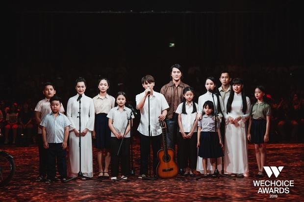 Xem trọn vẹn các màn trình diễn tại WeChoice: Những sự kết hợp không tưởng, dàn dựng sân khấu đỉnh cao tạo nên một bữa tiệc âm nhạc tràn đầy cảm hứng! - Ảnh 6.
