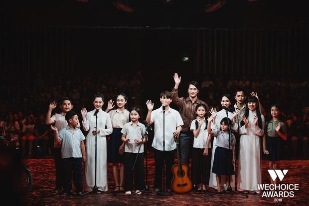 Xem trọn vẹn các màn trình diễn tại WeChoice: Những sự kết hợp không tưởng, dàn dựng sân khấu đỉnh cao tạo nên một bữa tiệc âm nhạc tràn đầy cảm hứng! - Ảnh 5.