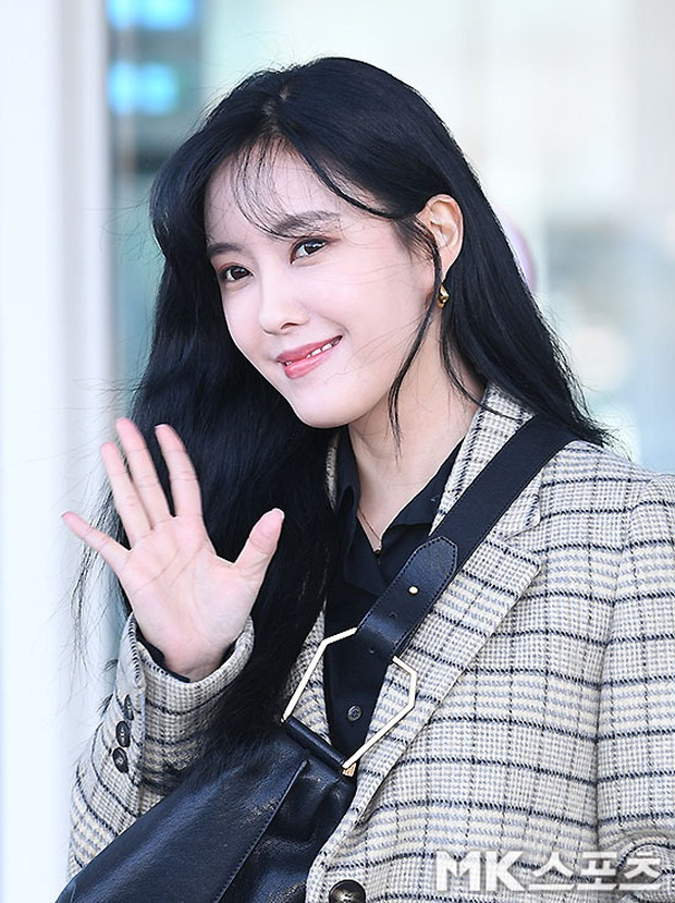 Dàn mỹ nhân Hàn đại chiến visual ở sân bay: Lisa - Rosé (BLACKPINK) xinh muốn ngất, Hani lép vế trước Hyuna và Hyomin - Ảnh 27.