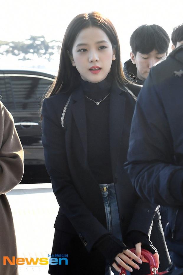 Dàn mỹ nhân Hàn đại chiến visual ở sân bay: Lisa - Rosé (BLACKPINK) xinh muốn ngất, Hani lép vế trước Hyuna và Hyomin - Ảnh 11.