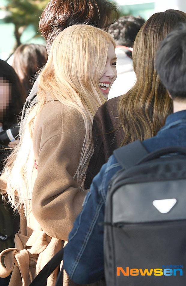 Dàn mỹ nhân Hàn đại chiến visual ở sân bay: Lisa - Rosé (BLACKPINK) xinh muốn ngất, Hani lép vế trước Hyuna và Hyomin - Ảnh 6.