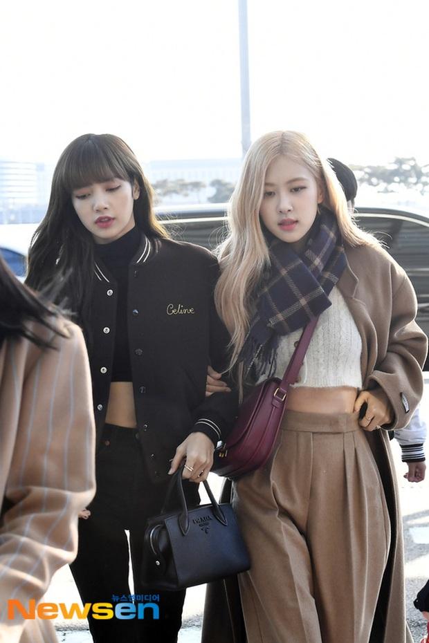 Dàn mỹ nhân Hàn đại chiến visual ở sân bay: Lisa - Rosé (BLACKPINK) xinh muốn ngất, Hani lép vế trước Hyuna và Hyomin - Ảnh 1.