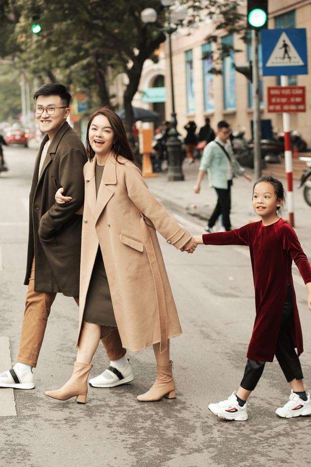 Phạm Quỳnh Anh lặn lội khắp 2 miền Nam Bắc để quay MV Tết, lần đầu mang bé Tuệ Lâm cùng chung vui với dàn thí sinh The Voice Kids! - Ảnh 2.