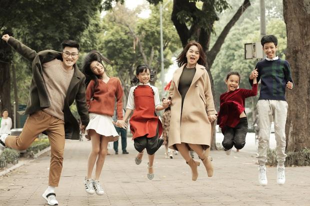 Phạm Quỳnh Anh lặn lội khắp 2 miền Nam Bắc để quay MV Tết, lần đầu mang bé Tuệ Lâm cùng chung vui với dàn thí sinh The Voice Kids! - Ảnh 3.